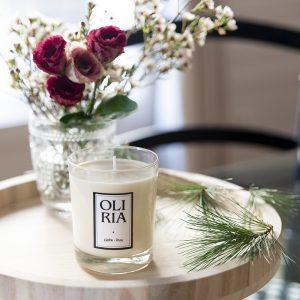 bougie parfumée oliria rose de Damas safranée
